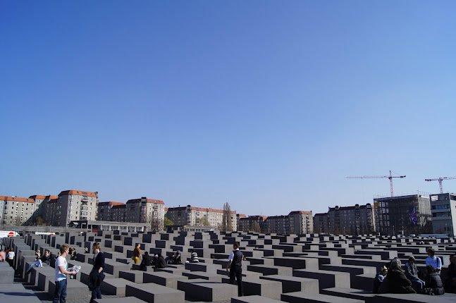 large_Holocaust_Memorial.jpg