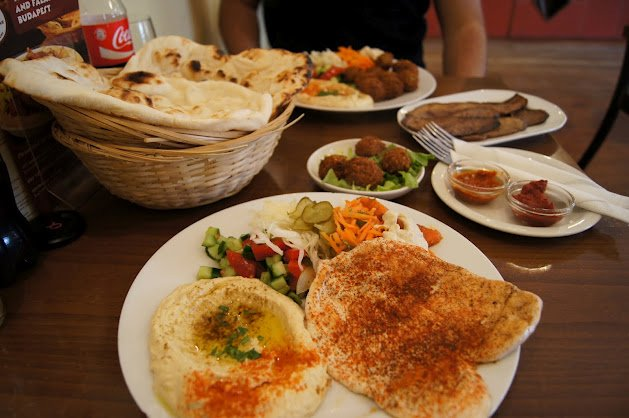 large_Hummus_Bar2.jpg