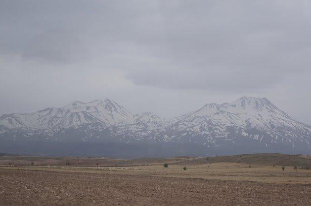 large_Mountains.jpg