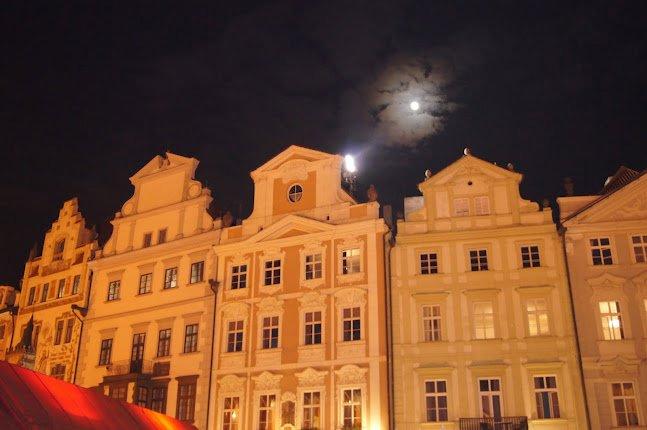 large_Night_time_Prague5.jpg