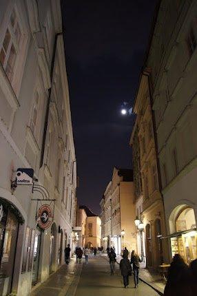 large_Night_time_Prague7.jpg