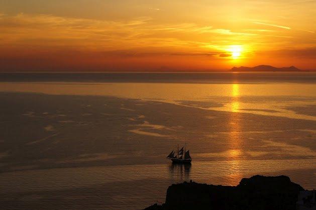 large_Oia_Sunset8.jpg