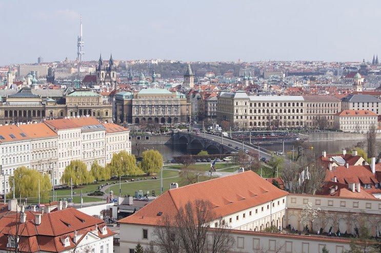 large_Prague_Castle2.jpg
