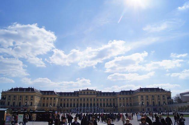 large_Schloss_Schonbrunn.jpg