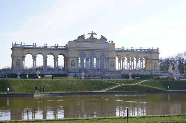 large_Schloss_Schonbrunn10.jpg