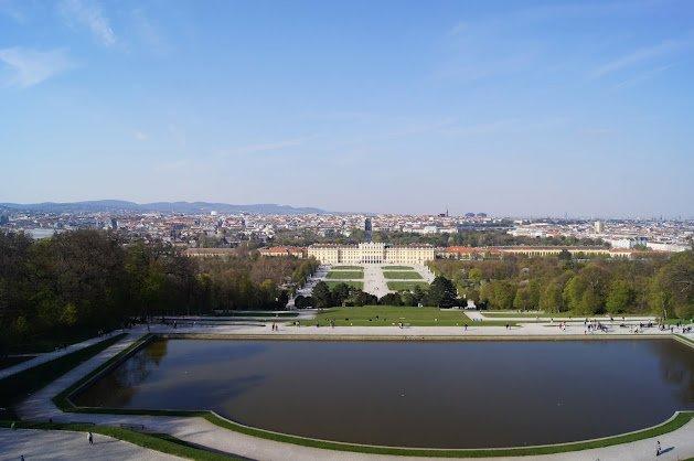 large_Schloss_Schonbrunn11.jpg