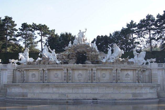 large_Schloss_Schonbrunn7.jpg