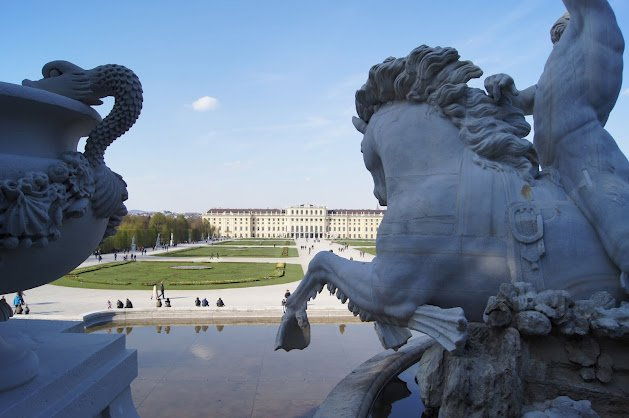 large_Schloss_Schonbrunn8.jpg