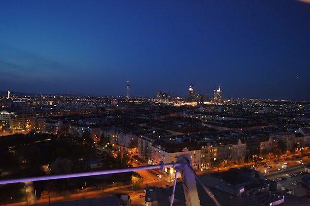 large_Vienna_night.jpg