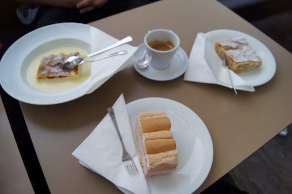 large_mmmmmm_____Cake.jpg