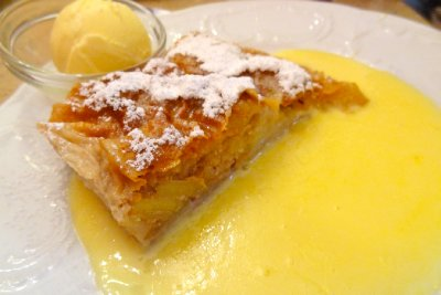 Cafe Mozart Apple Strudel