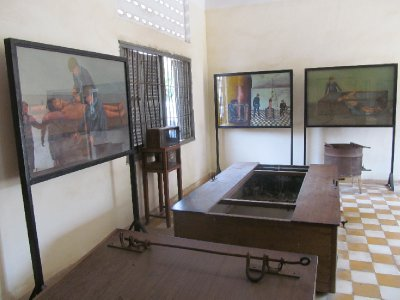 Tuol Sleng Genocide Museum - Torture mechanisms