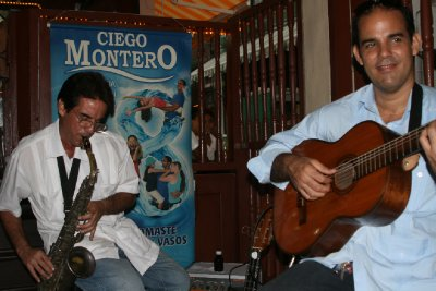 Cuba_SLR_Music1.jpg