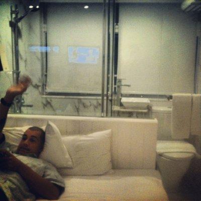 HK_mob_room.jpg