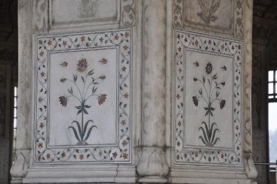 Inlay flowers at Red Fort