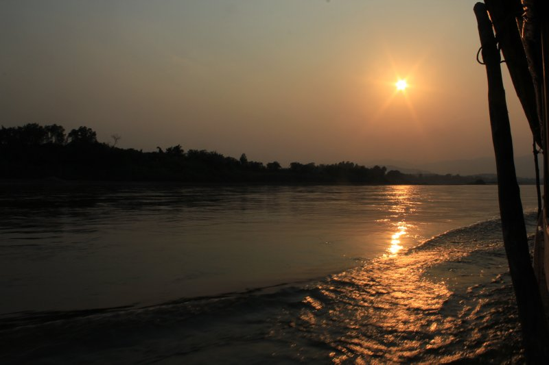 large_Laos_Mekong_boat_208.jpg