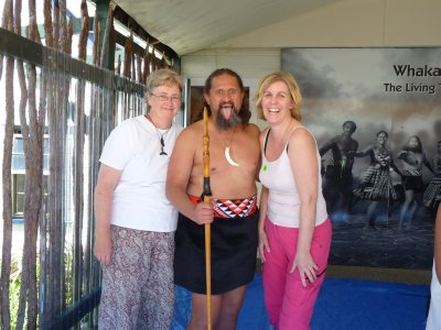 Annette and Maria with a Maori warrior
