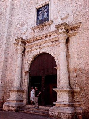 Andy and Dara visit the Merida cathedral