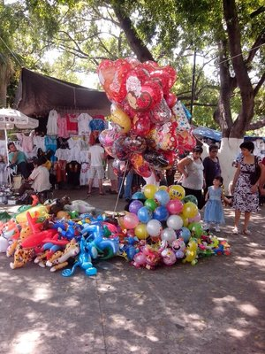 balloon vendor in Merida centro