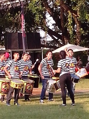 Drum group having fun