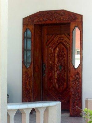 Carved door in Progreso