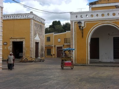 Izamal street scape2