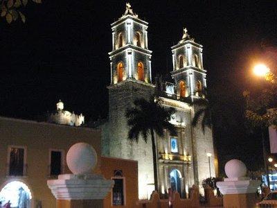 Valladolid church at night