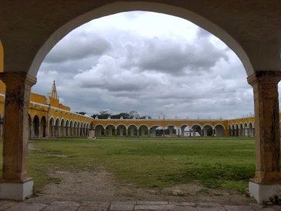 courtyard of the Izamal church
