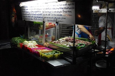One of the hundreds of street stalls in Bangkok selling a wide array of tasty (and not so tasty) food!