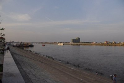 The Tonle Sap flowing into Phnom Penh. If only they had a boatclub...