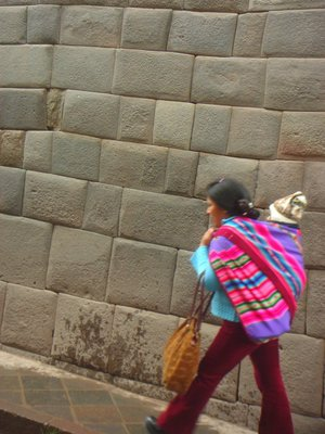 Woman and child in Cusco