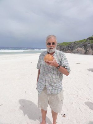 Don with fresh coconut drink