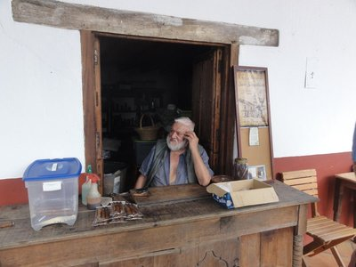 Cigar maker who adds agave syrup and vanilla to his cigars