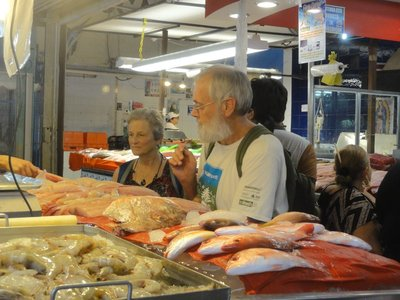 Don and Donna buying fish