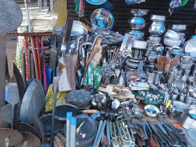 Hardware/kitchen ware vendor