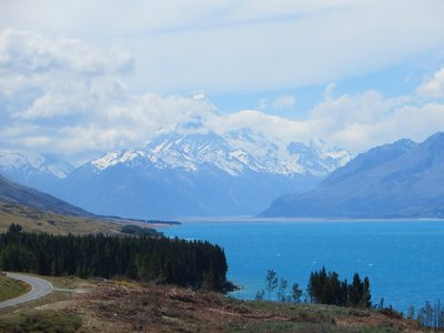 Drive to Mt Cook - Mt cook in the background