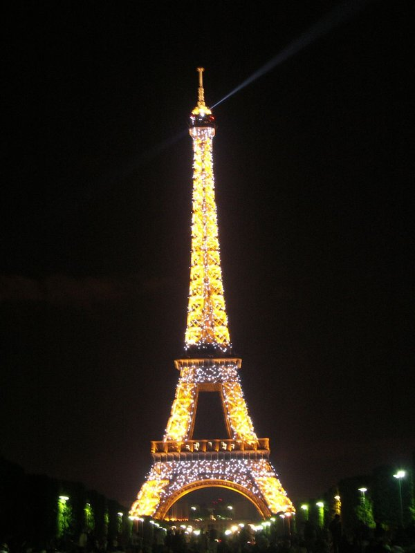 The Sparkling Eiffel Tower