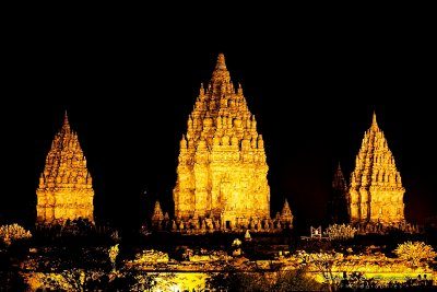 NIGHT VIEW OF BOROBUDUR TEMPLES