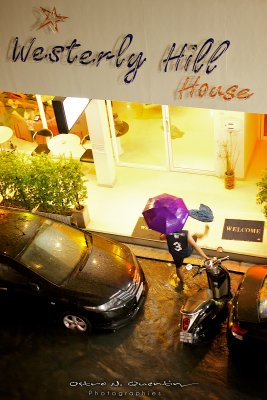 Pattaya2011_Dancing in the rain