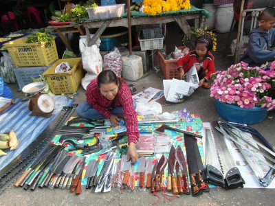 Knives in the market