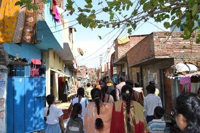 Kanpur KNT2 slum