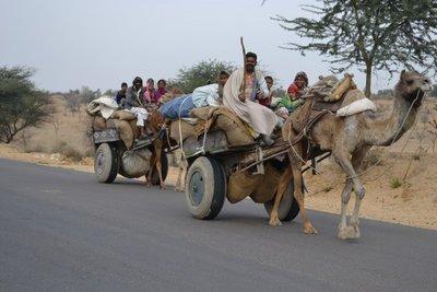 Family on the road near Bikaner