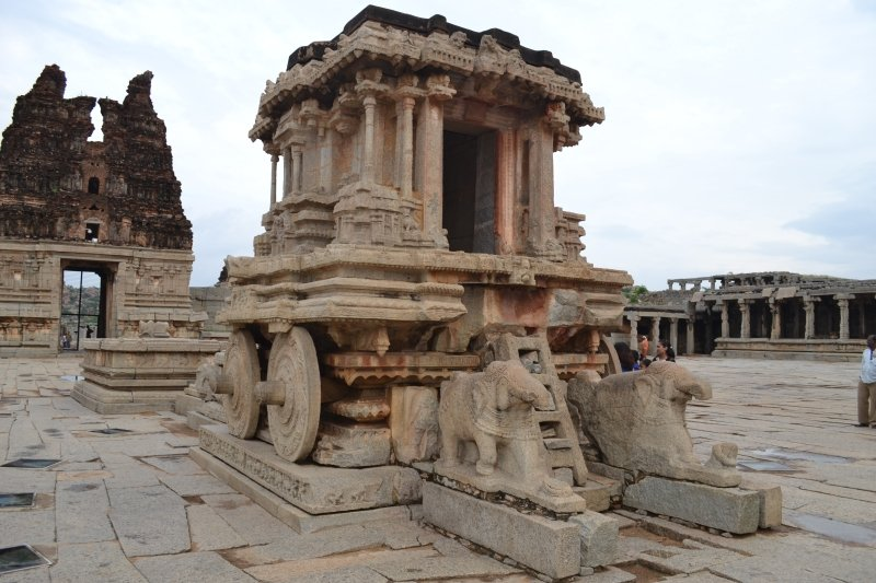 The stone chariot at Vittala Temple Hampi