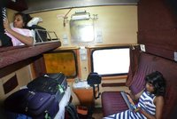 Train from Kanpur to Agra