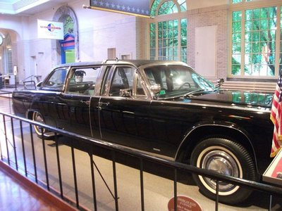 34_JFK_Assassination_car2.jpg
