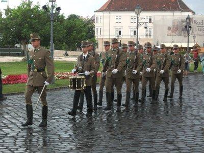 budapst_castle_guards.jpg