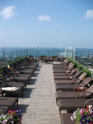 istanbul hotel poolside