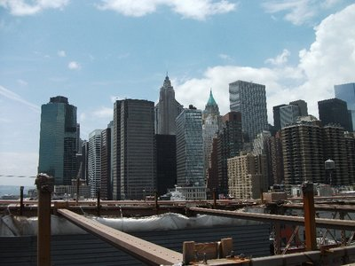 manhatten from brooklyn bridge