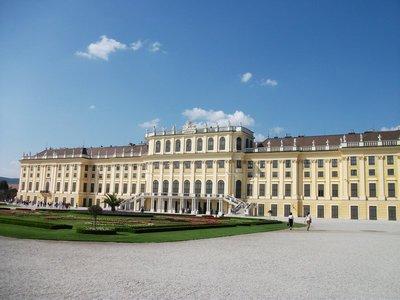 schonbrunn_palace.jpg