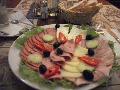 sighetu_breakfast_2.jpg